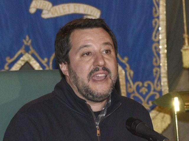 """Referendum propositivo, Salvini contro i 5Stelle: """"Il quorum è necessario"""". Fraccaro: """"Il contratto prevede che sia cancellato"""""""