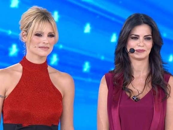Laura Torrisi piange per le critiche di Ornella Vanoni ad Amici Celebrities