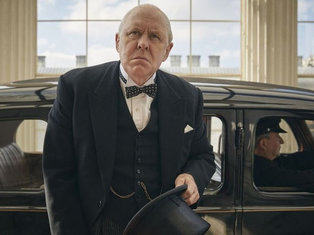 Il cameo di Winston Churchill in The Crown 3 spiegato dal creatore della serie, Peter Morgan