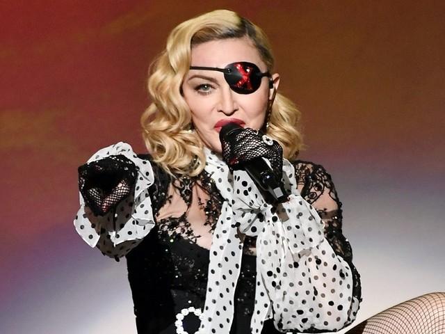 """Stop ai concerti di Madonna per problemi di salute: """"Tornerò più forte di prima"""""""