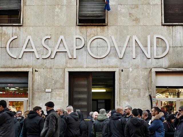 Anpi denuncia Casapound e FN per apologia di fascismo