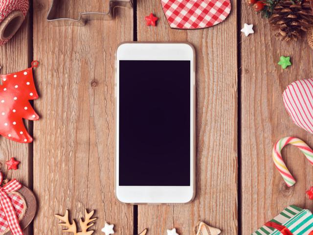 Idee regalo Natale: 10 smartphone in offerta su Amazon