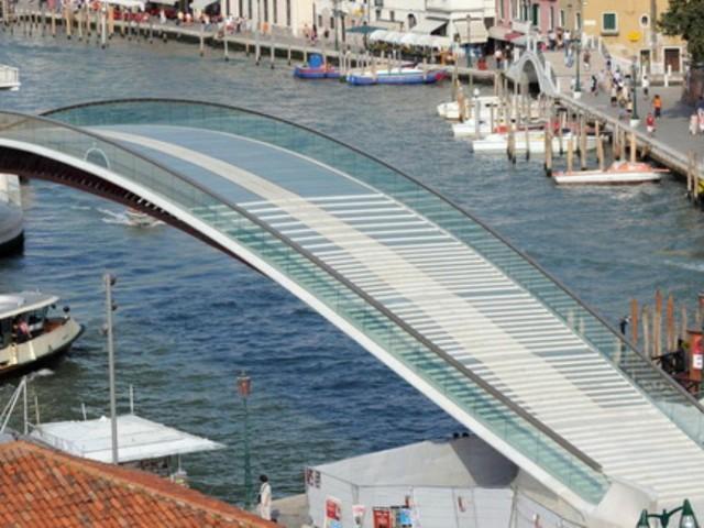 Venezia, archistar Calatrava condannato a risarcire 78mila euro per gli extra-costi del quarto ponte sul Canal Grande