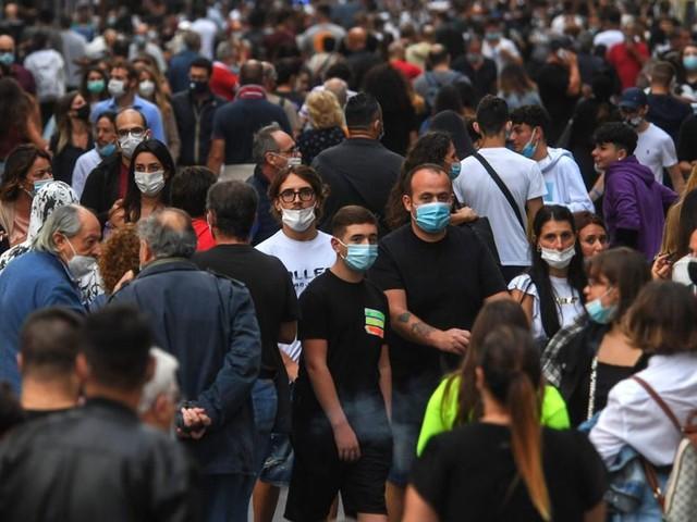Dpcm ottobre: dall'obbligo delle mascherine agli orari dei locali. Le novità