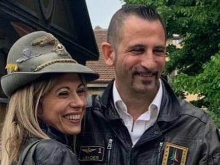 Il marò Latorre si sposa a Roma. Su facebook il messaggio per Girone, assente alla cerimonia