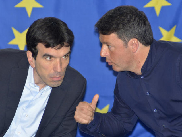 Renzi prepara il sì a un governo di tutti e ottiene il rinvio dell'assemblea Pd. Convinti Martina e Franceschini