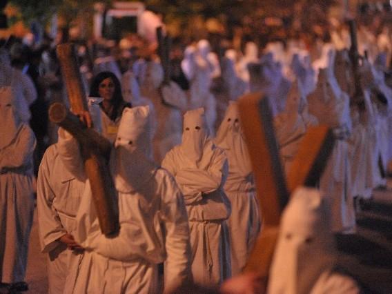 Tolfa, nuova statua per laprocessione del venerdì Santo