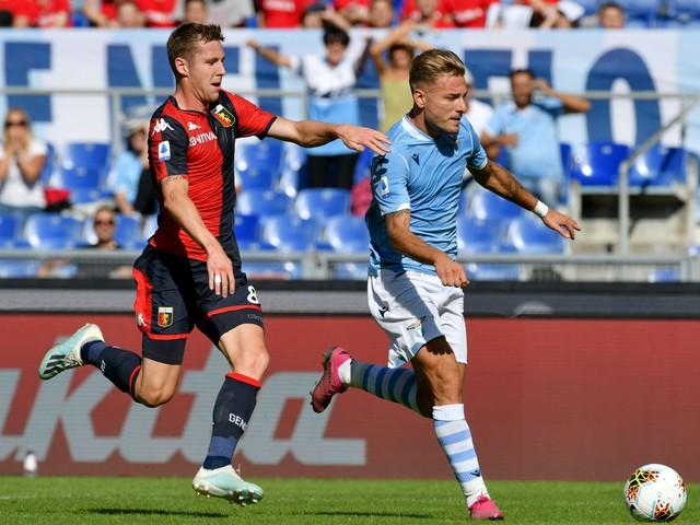 Calcio in tv oggi e stasera: dove vedere Genoa-Lazio a pranzo, Roma-Lecce posticipo alle 18