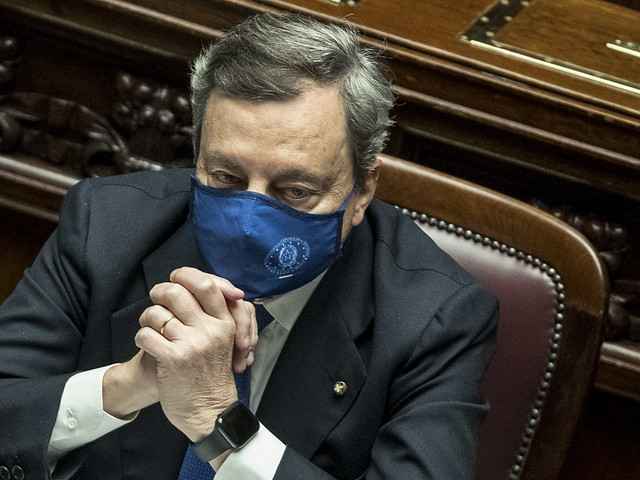 """Draghi sveglia l'Ue e avvisa le aziende """"Chi non sta ai patti non esporterà più"""""""