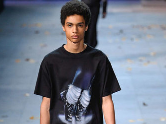 Louis Vuitton ritira alcuni capi dopo docufilm su Jackson