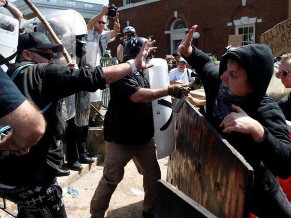 Virginia, stato di emergenza per protesta suprematisti bianchi