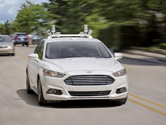 Guida autonoma: Ford rivede il suo approccio