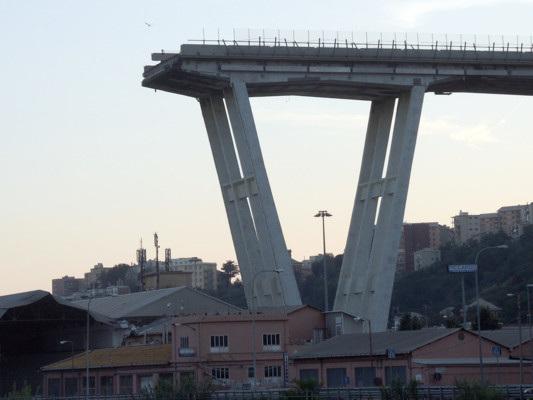 Le mani della camorra sul Ponte Morandi