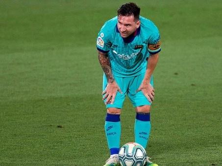Il Barcellona blinda Messi: «Chiuderà la carriera in blaugrana»