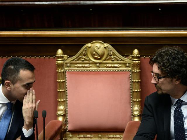 """Di Maio: """"Legittimo il mio incontro coi gilet gialli"""". Toninelli: """"Nessuno scontro Italia-Francia"""""""