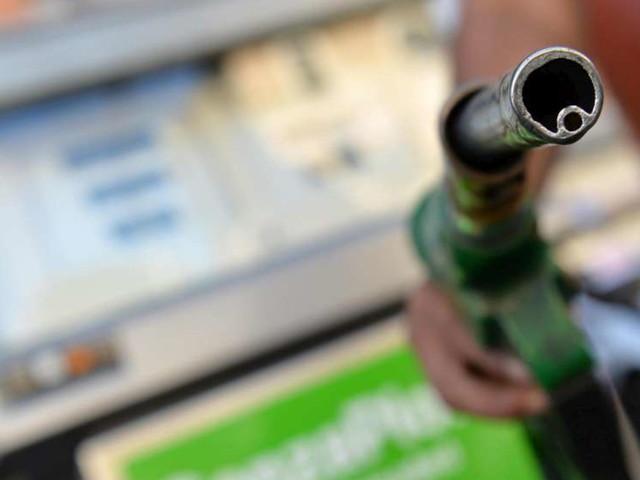 Caro carburanti: l'Ue non trova l'intesa sulle misure, il gasolio vola ai massimi dal 2014