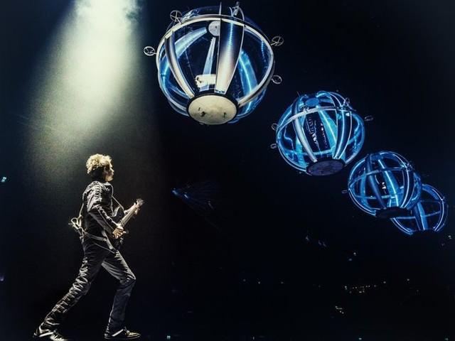 Muse, 'Drones world tour' (nei cinema il 12 e 13 luglio): Rockol regala CD e magliette, ecco come partecipare al contest