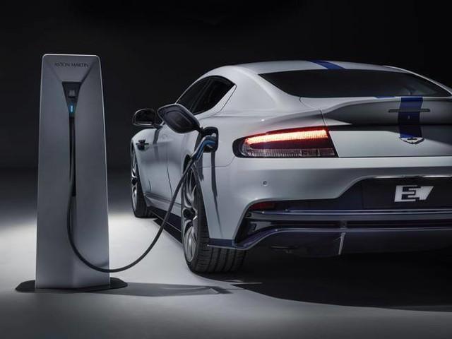 Aston Martin: ecco la Rapid elettrica