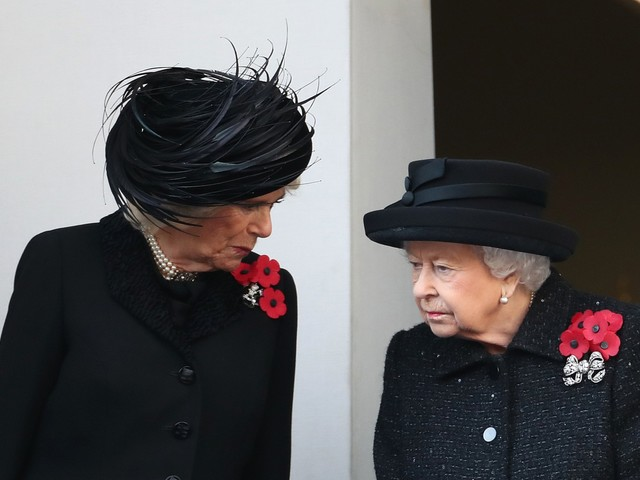 La regina Elisabetta ancora a cavallo a 93 anni