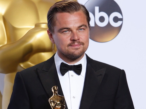 Leonardo Di Caprio deve restituire un Oscar: cos'è successo
