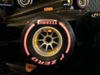 F1 2017   GP USA: le Pirelli rosa per la lotta ai tumori