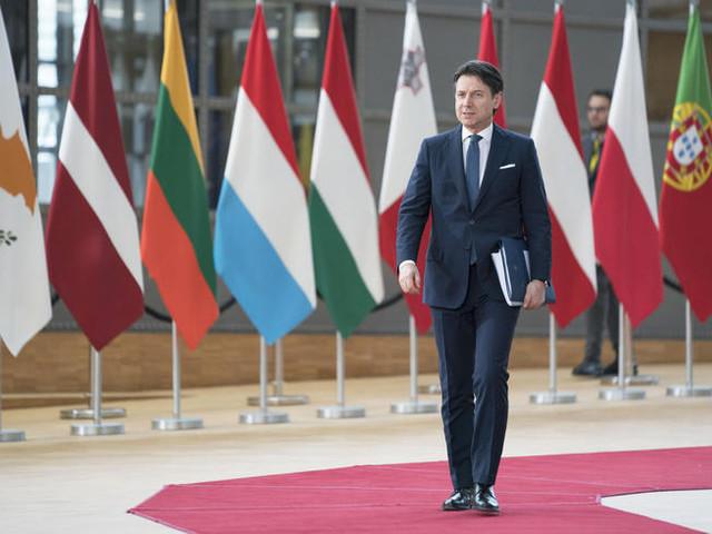 Conte: 'Quarantena per tutti coloro che sono venuti a contatto con i contagiati a Codogno'