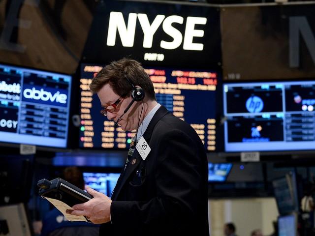 Wall Street avvia gli scambi in retromarcia