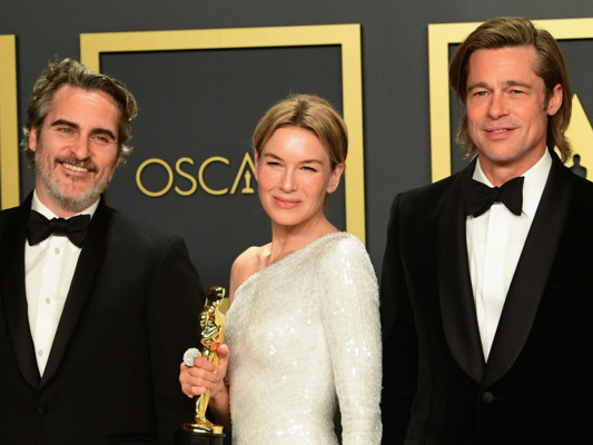 Oscar, premiati Phoenix,Zellweger, Brad Pitt