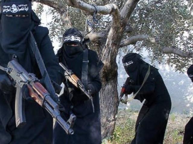 Lo Stato islamico recluta donne per attacchi suicidi