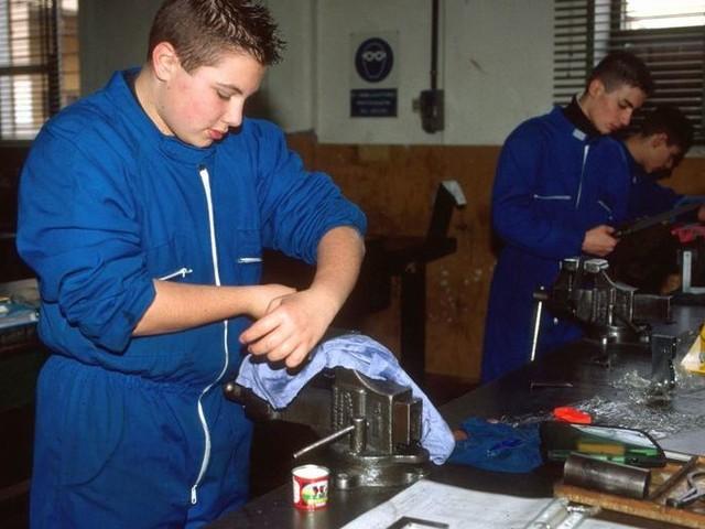 Alternanza scuola-lavoro: tagli inaccettabili