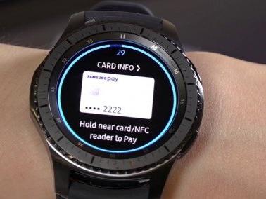 Samsung Pay, in UK arriva il supporto ai pagamenti tramite Gear S3