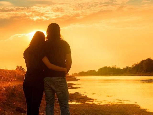 L'oroscopo del giorno 10 ottobre, ultimi sei segni: Bilancia vola in amore, Acquario stanco
