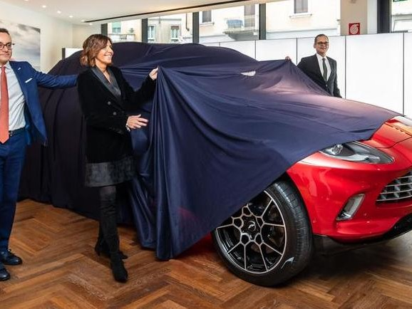 Aston Martin raddoppia in Italia con il nuovo showroom di Milano