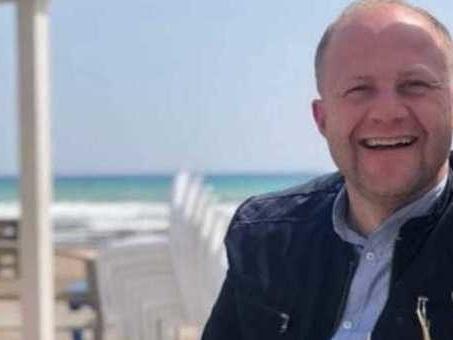 Schianto in moto durante il viaggio in Sicilia, muore chef di 38 anni