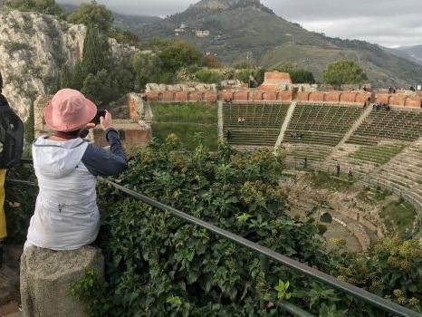 Domenica oltre 1500 visitatori, nonostante il meteo, al Teatro Antico di Taormina