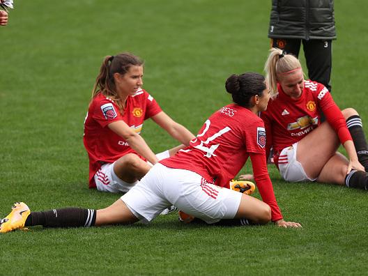 Manchester United, le maglie della squadra femminile più vendute di quelle degli uomini