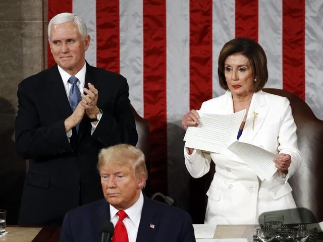 Trump si vendica dell'impeachment e silura chi testimoniò contro di lui