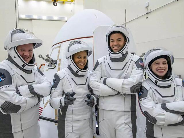 SpaceX lancia davvero il turismo spaziale, mercoledì il primo volo con soli civili