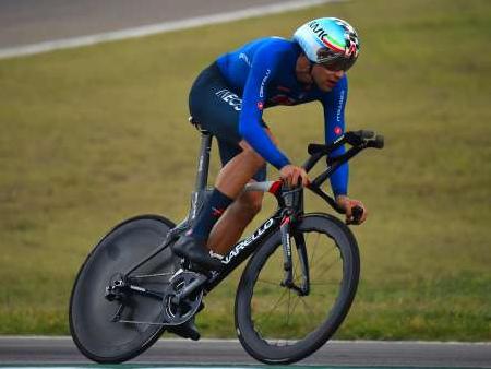 Filippo Ganna è oro nella cronometro Ecco risultati, commenti e programma dei Mondiali a Imola