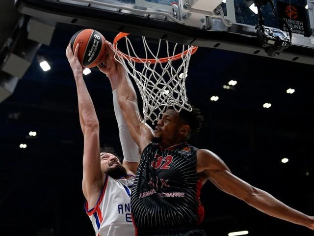 Basket, Eurolega 2019-2020: prima sconfitta casalinga per l'Olimpia Milano. L'Efes sbanca il Forum