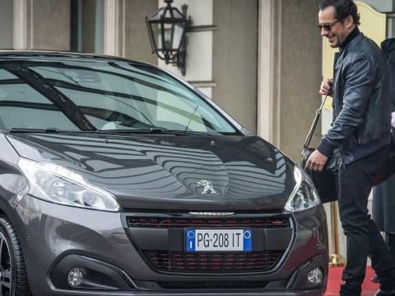 Peugeot e Stefano Accorsi, ormai è coppia fissa