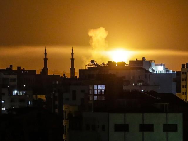 Gaza, raid aerei di Israele contro Hamas