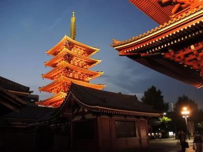 """Alla scoperta del noir giapponese. """"La poltrona umana e altri racconti"""" di Edogawa Ranpo"""
