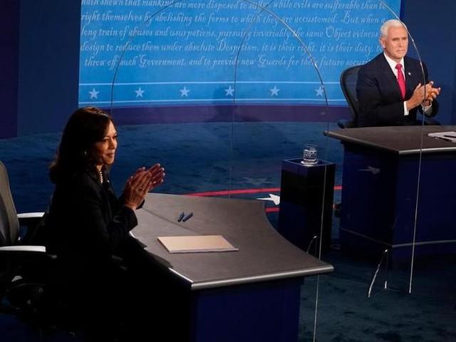 Usa 2020, scintille nel dibattito tra vice: è scontro sulla pandemia. Harris zittisce Pence