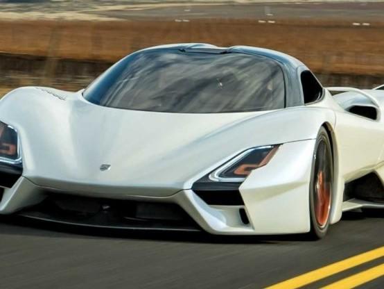A 530 all'ora sull'auto più veloce del mondo
