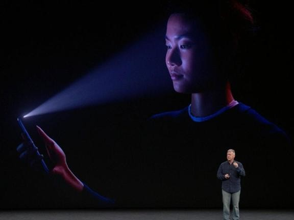 Come cambierà la sicurezza e la privacy di iPhone con l'arrivo di Face Id?