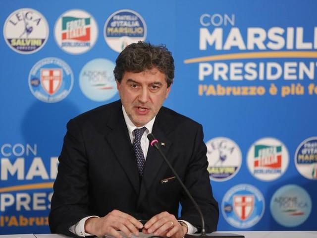 Elezioni Abruzzo, stravince il centrodestra: Marsilio governatore. Crollo M5S