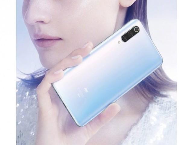 Xiaomi Mi 9 Pro 5G immagini ufficiali: eccolo in bianco artico
