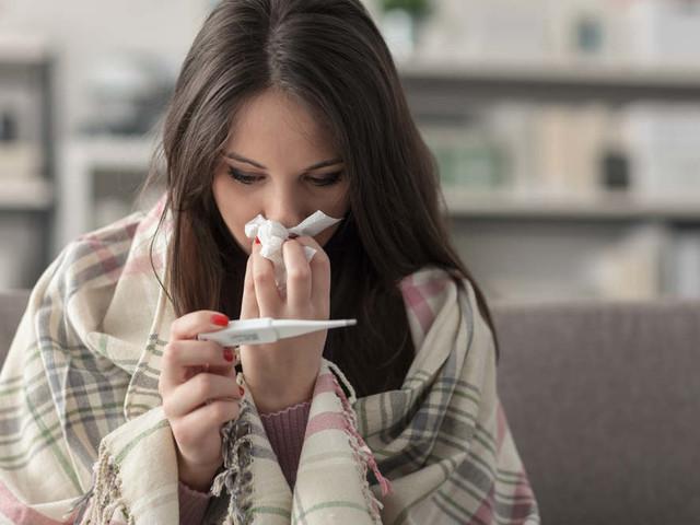Rimedi naturali contro l'influenza. Evitate antibiotici, e innanzitutto riposate