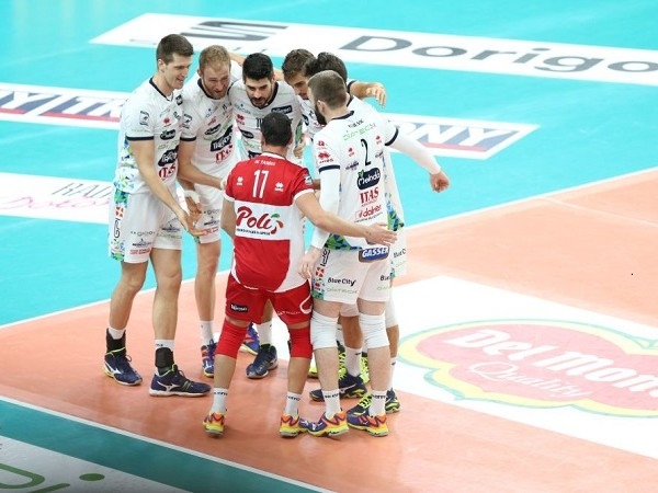 Volley, la Diatec si riscatta con la qualificazione alle semifinali di Coppa Italia